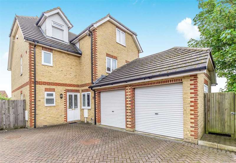6 Bedrooms Detached House for sale in Broomhill Road, Strood, Rochester