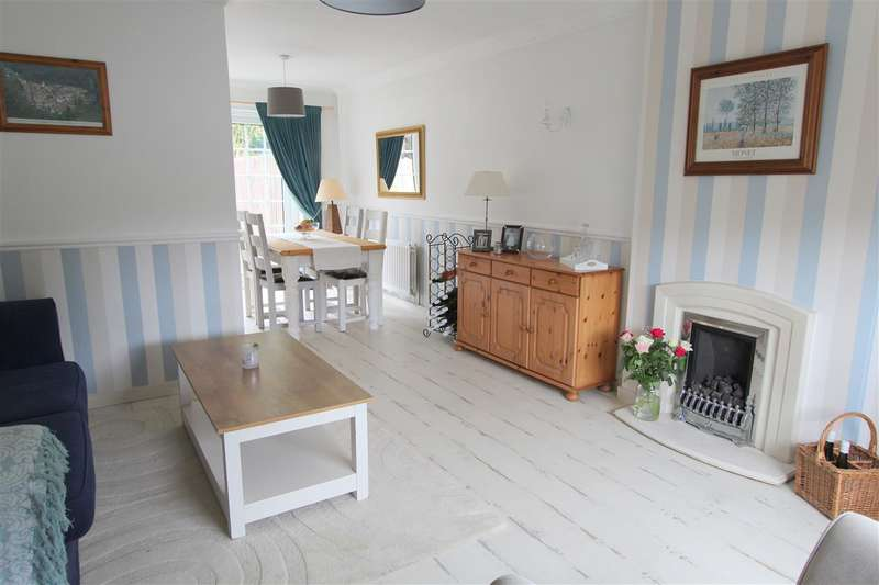 3 Bedrooms Semi Detached House for sale in Rosewood Close, Stockbridge Village, Liverpool