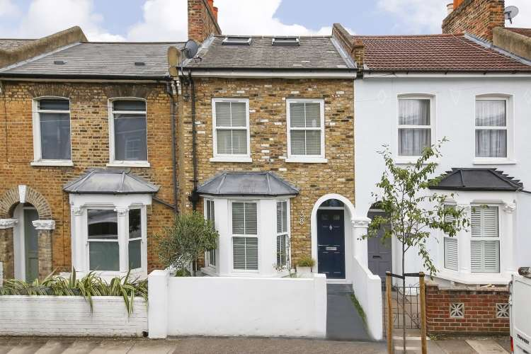 5 Bedrooms Terraced House for sale in Harcourt Road London SE4
