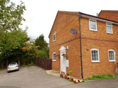 1 Bedroom Maisonette Flat for sale in Twyford Drive, Luton, Bedfordshire