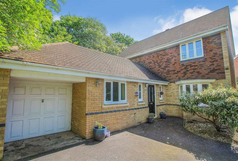 4 Bedrooms Detached House for sale in Windsor Road, Pitstone
