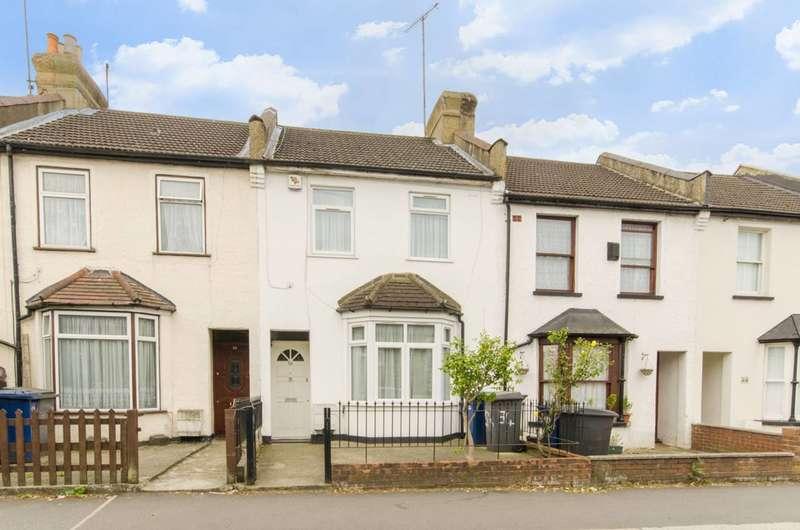 3 Bedrooms Terraced House for sale in Lodge Lane, Woodside Park, N12