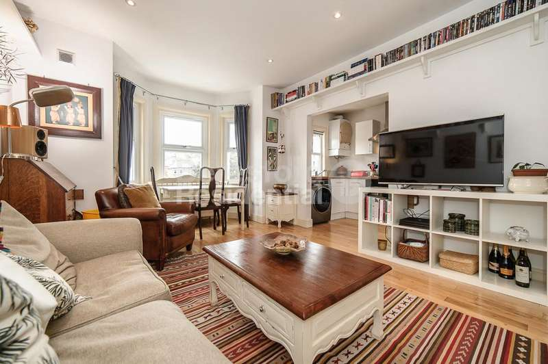 3 Bedrooms Flat for sale in Probyn Road, Tulse Hill, SW2