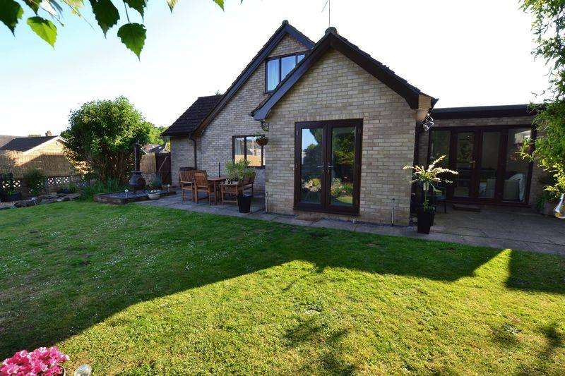 4 Bedrooms Detached House for sale in Olive Road, New Costessey, Norwich