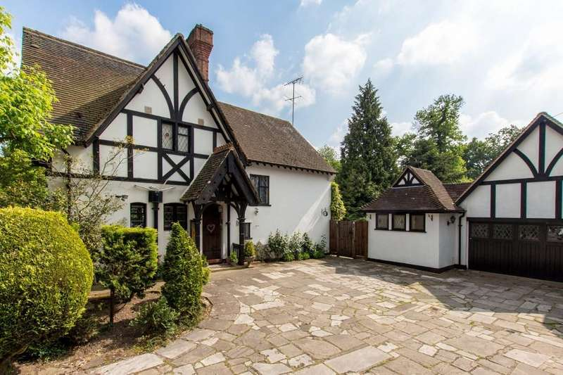 5 Bedrooms Detached House for sale in Hempstead Road, Watford