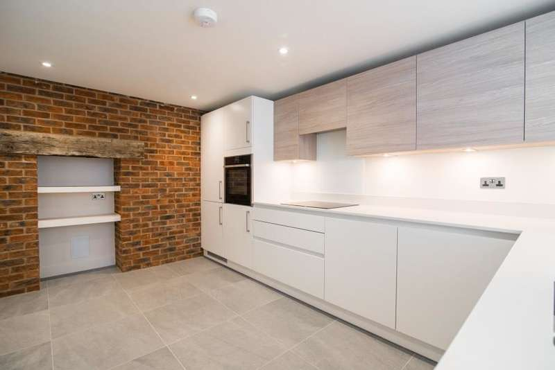 5 Bedrooms House for sale in Old Bakery Mews, Hampton Wick, KT1