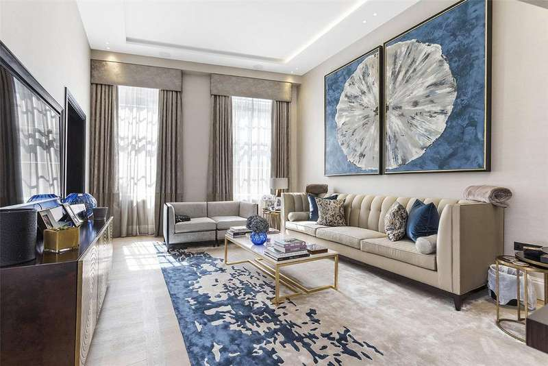 3 Bedrooms Flat for sale in Portland Place, Marylebone, London, W1B