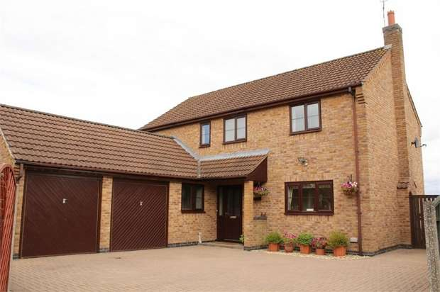 4 Bedrooms Detached House for sale in Broughton Astley