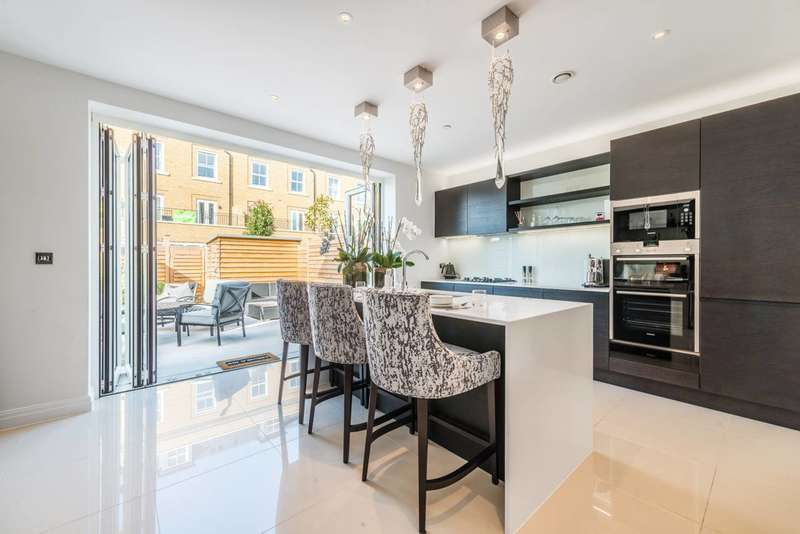 4 Bedrooms Terraced House for sale in Brewery Gate, Twickenham, TW1