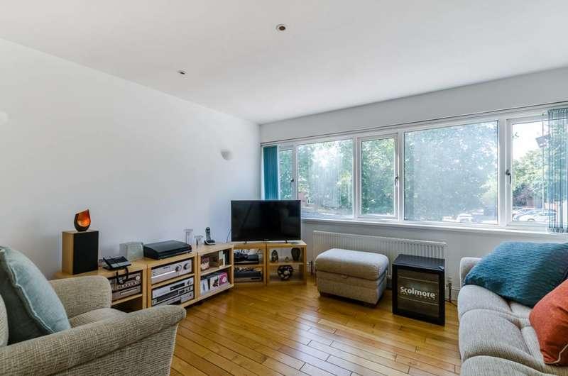 3 Bedrooms Terraced House for sale in John Street, Croydon, SE25