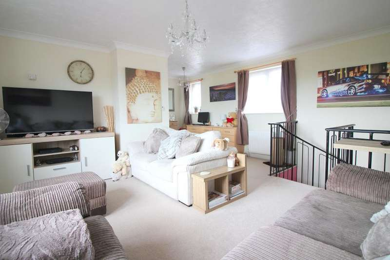 1 Bedroom Terraced House for sale in Kidner Close, Luton, Bedfordshire, LU2 7SX