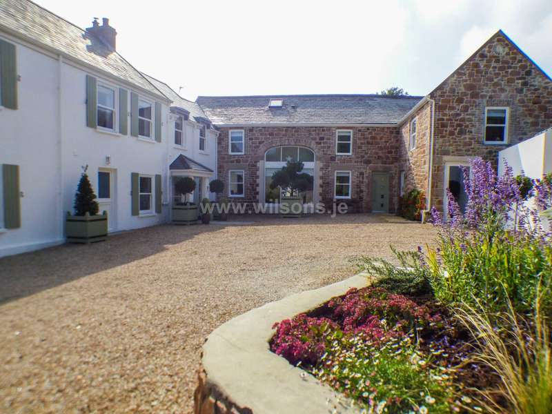 6 Bedrooms Detached House for sale in Trinity