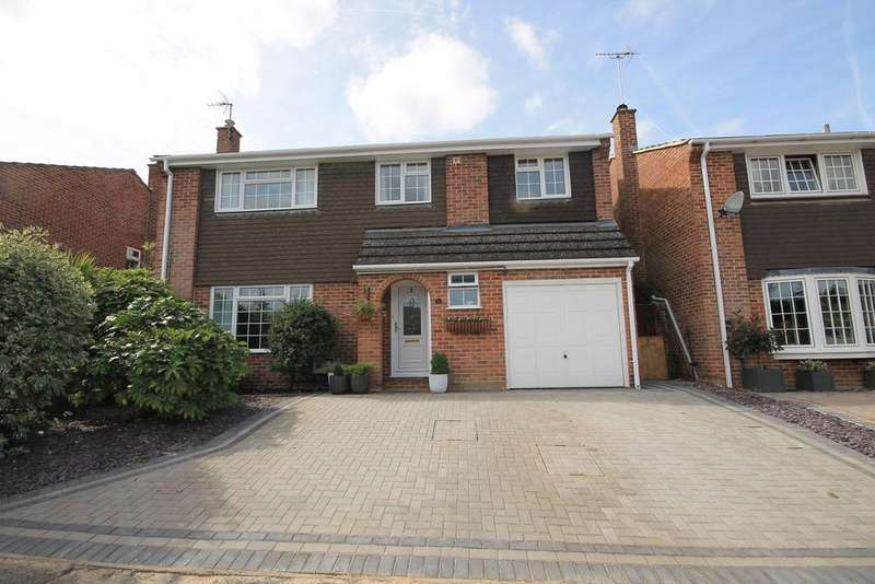5 Bedrooms Detached House for sale in New Road, Newbury, RG14