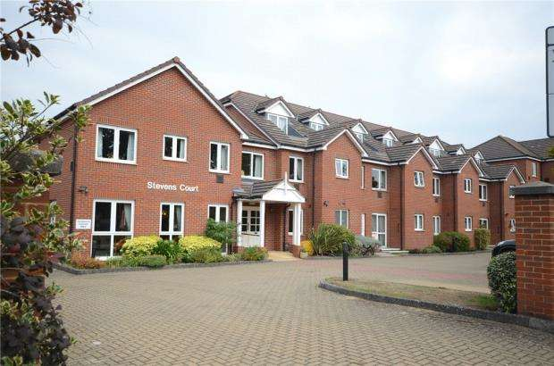 1 Bedroom Retirement Property for sale in Stevens Court, 405-411 Reading Road, Wokingham