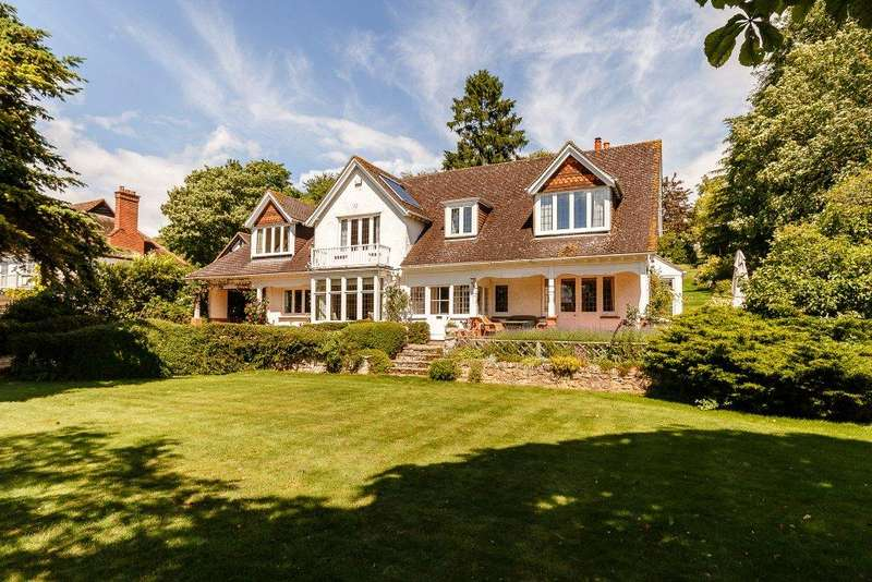5 Bedrooms Detached House for sale in Fairfield Road, Goring, Reading, RG8