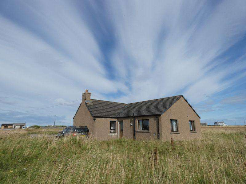 3 Bedrooms Detached Bungalow for sale in Scarfskerry, Thurso