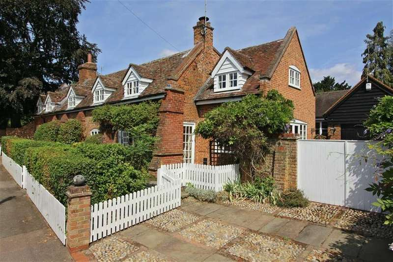 5 Bedrooms Detached House for sale in High Street, Codicote, Hitchin, Hertfordshire