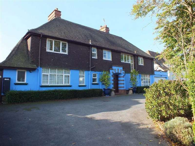 5 Bedrooms Detached House for sale in Shorncliffe Road, Folkestone, Kent, CT20