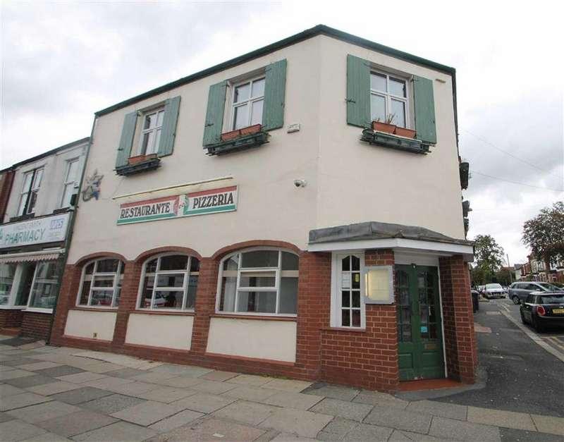 3 Bedrooms Semi Detached House for sale in Monton Road, Monton
