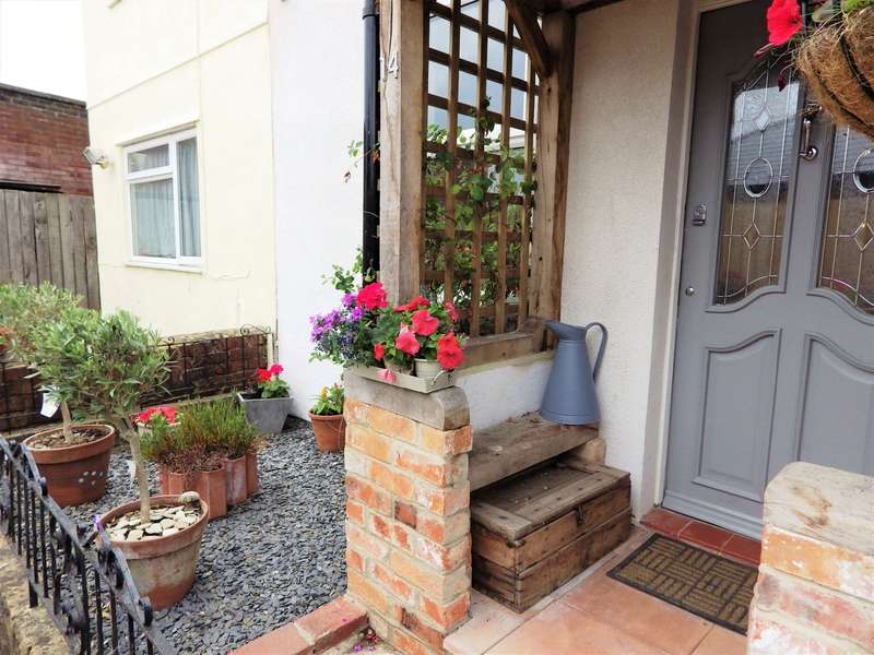 2 Bedrooms Terraced House for sale in Nursery Cottages