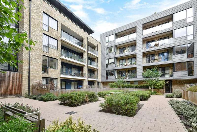 2 Bedrooms Flat for sale in Boundary Lane, Walworth
