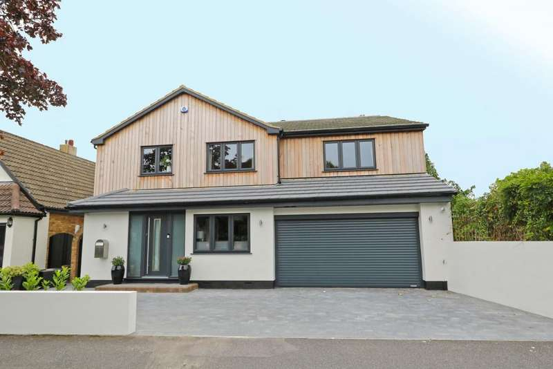 3 Bedrooms Detached House for sale in Scrub Lane, Hadleigh SS7