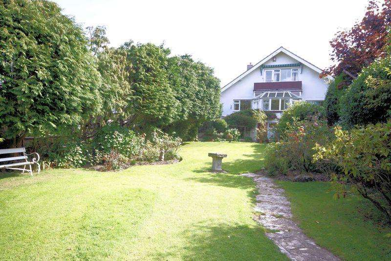 3 Bedrooms Detached House for sale in Knights Bank Road, Hill Head, PO14