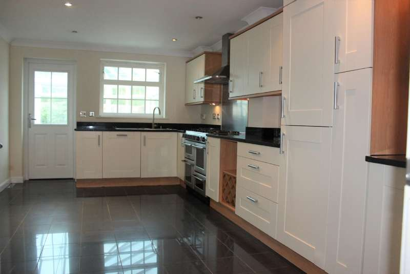 5 Bedrooms Detached House for sale in Neatherhall Avenue Great Barr Birmingham