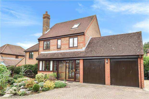 5 Bedrooms Detached House for sale in Highwood Ridge, Basingstoke, Hampshire