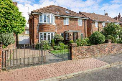 4 Bedrooms Detached House for sale in Southsea, Hampshire, .