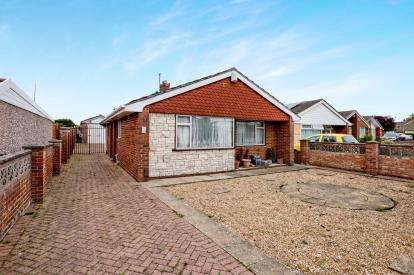 2 Bedrooms Bungalow for sale in Gosport, Hampshire, Gosport