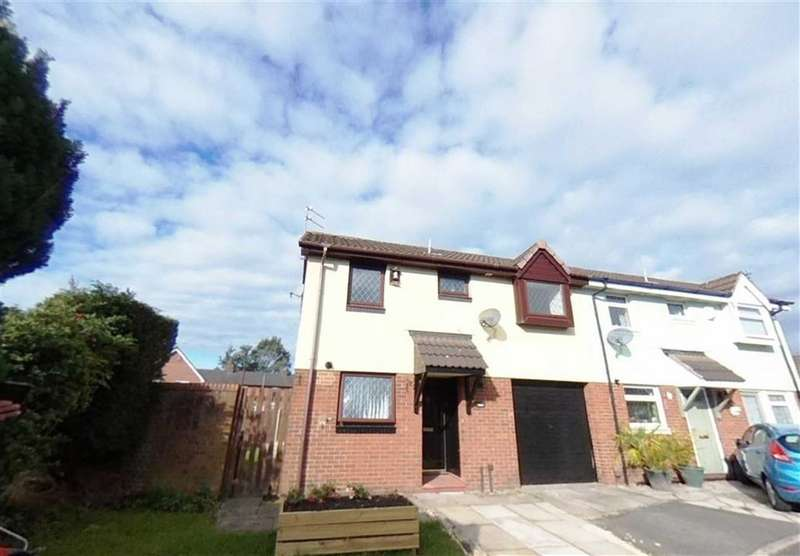 3 Bedrooms Semi Detached House for sale in Kelmarsh Close, Openshaw, Manchester