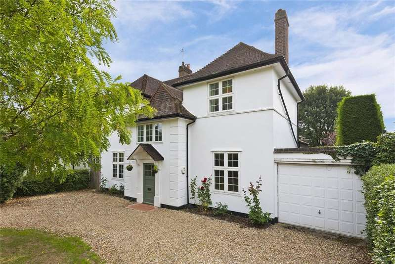 4 Bedrooms Detached House for sale in Southborough Close, Surbiton, Surrey, KT6