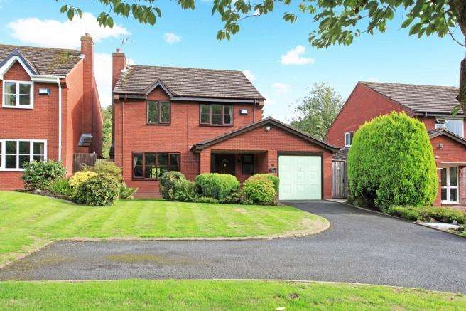 4 Bedrooms Detached House for sale in Tree Tops, 72 Hinkshay Road, Dawley, Telford, Shropshire, TF4 3PP