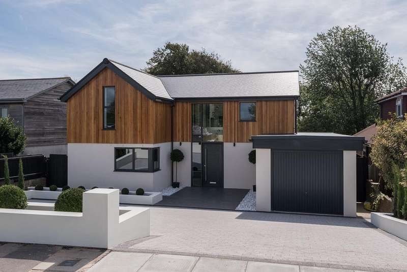4 Bedrooms Detached House for sale in Windmill Drive, Brighton, BN1