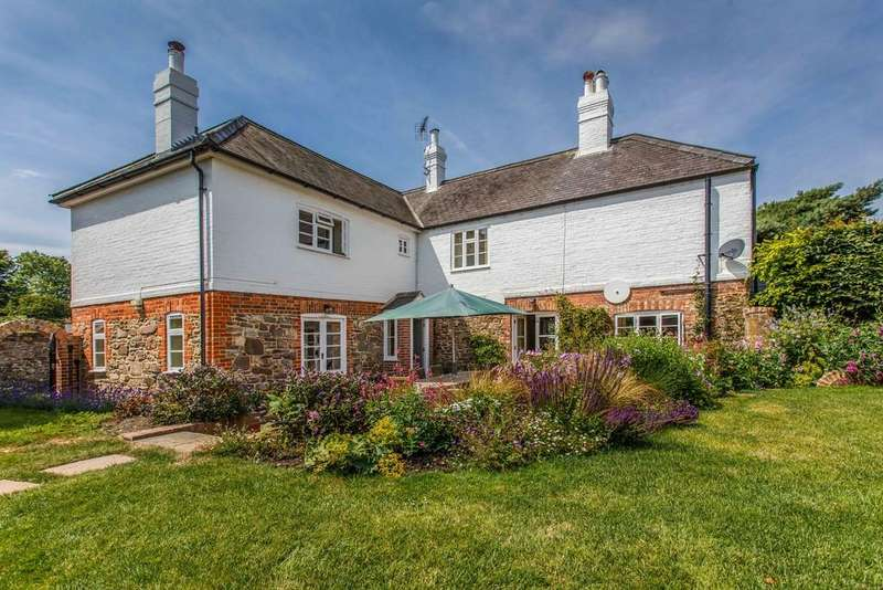 4 Bedrooms Detached House for sale in Rectory Lane, Winchelsea, East Sussex TN36 4EY