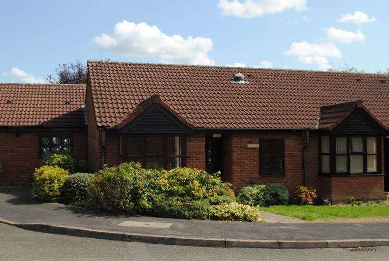 2 Bedrooms Bungalow for sale in Windleden Road, Loughborough