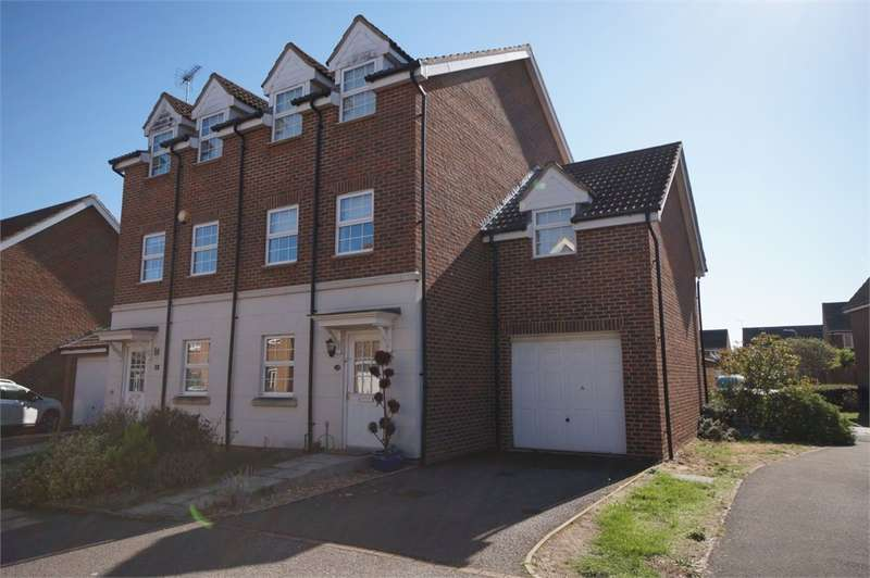 4 Bedrooms Town House for sale in Dexter Way, Winnersh, Wokingham, Berkshire