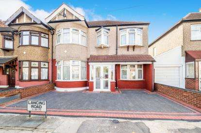 5 Bedrooms End Of Terrace House for sale in Ilford, Essex