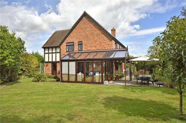 4 Bedrooms Detached House for sale in Marden, Herefordshire