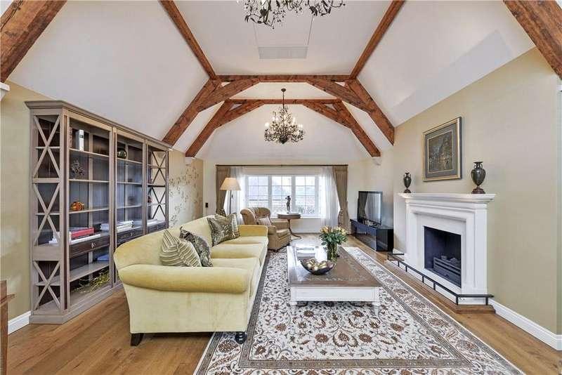 6 Bedrooms Terraced House for sale in Aubrey Walk, Kensington, London, W8