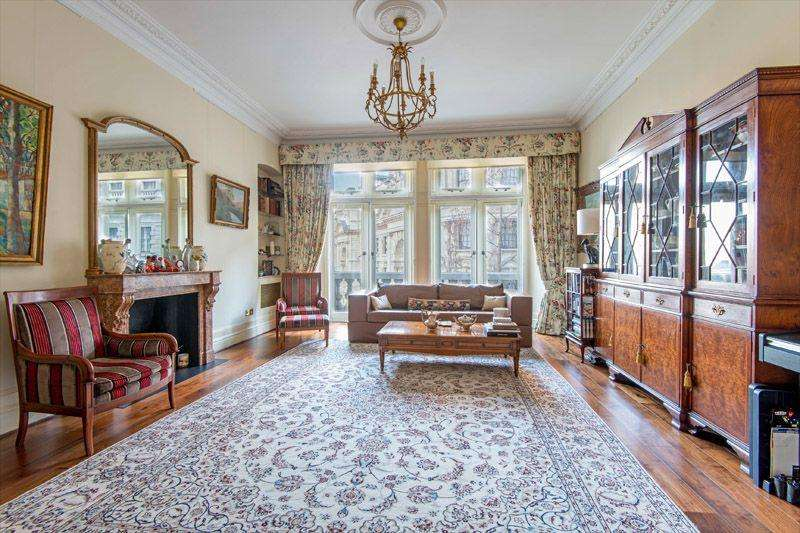 3 Bedrooms Apartment Flat for sale in Whitehall Court, Westminster
