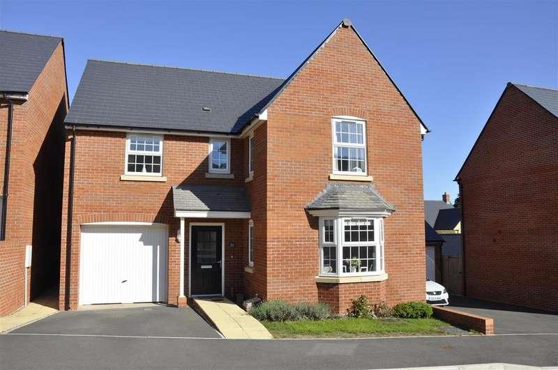 4 Bedrooms Detached House for sale in Sandoe Way, Exeter