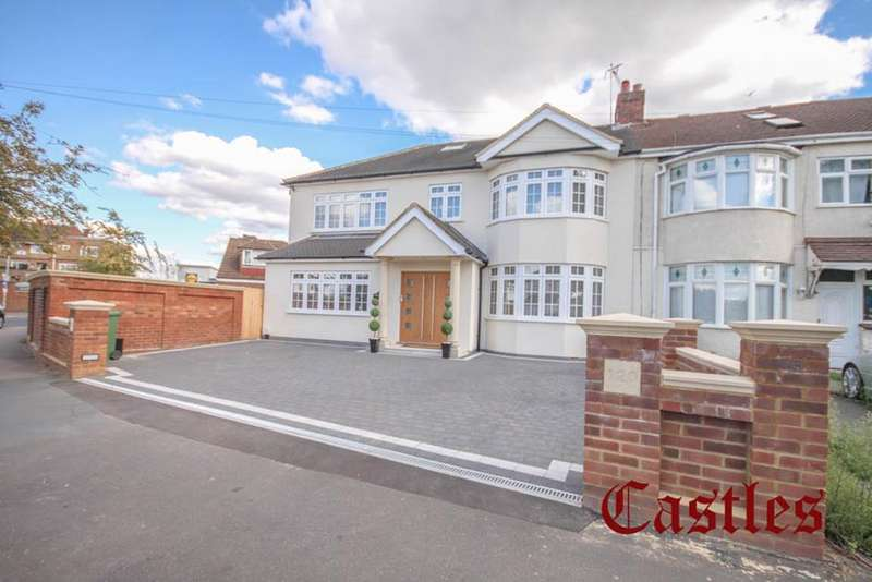 4 Bedrooms Property for sale in Lodge Crescent, Waltham Cross, Hertfordshire, EN8