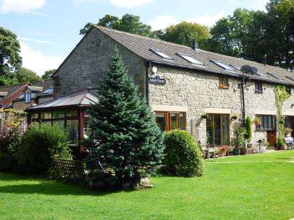 2 Bedrooms Barn Conversion Character Property for sale in Dakin Court, Waterswallows Road, Buxton, Derbyshire