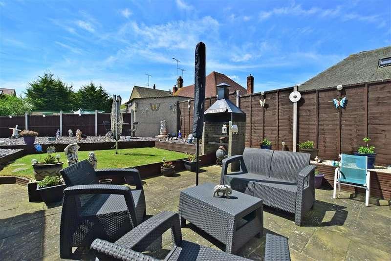 4 Bedrooms Bungalow for sale in Pepys Close, , Northfleet, Gravesend, Kent