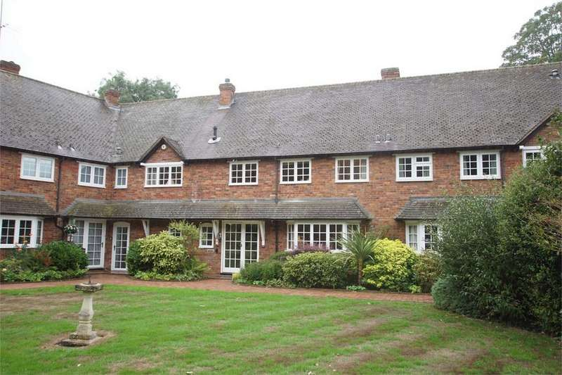 4 Bedrooms Terraced House for sale in Bridge End, Warwick
