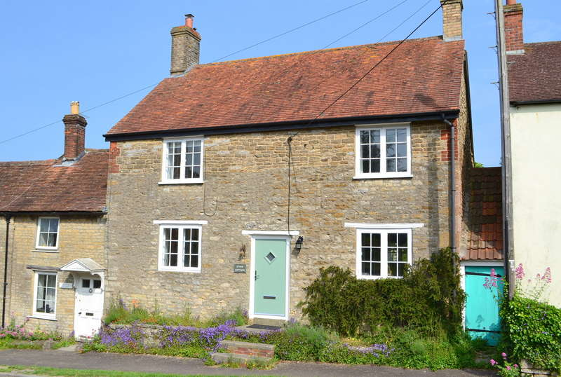 3 Bedrooms Cottage House for sale in Bayford BA9