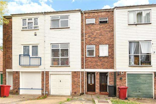 3 Bedrooms Terraced House for sale in Tennyson Way, Slough