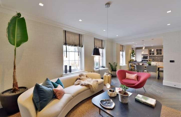3 Bedrooms Flat for sale in Hampstead Manor, Kidderpore Avenue, London, NW3